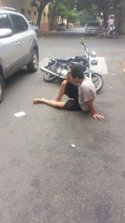 Supuestos motochorros huyeron tras un robo y chocharon por un rodado