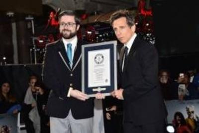HOY / Ben Stiller rompe record Guinness con una selfie