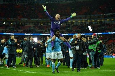 Caballero se luce y City es campeón