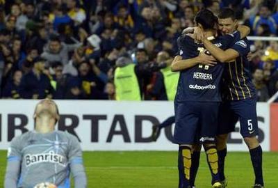 Central avanza a cuartos de Libertadores goleando a Gremio