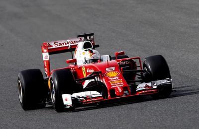 Vettel domina la primera sesión de ensayos libres del GP de España