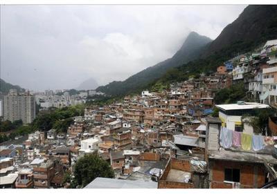 Violación colectiva a una joven consterna al Brasil