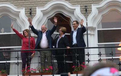 Perú: Kuczynski va lento al triunfo, Fujimori con esperanza