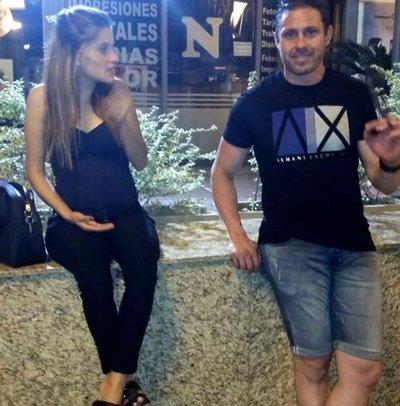 Desde 2012 Pérez Corradi vivió y hasta tuvo hijos en Paraguay