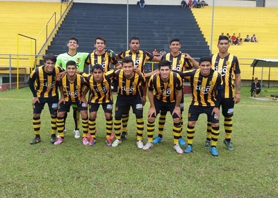 Guaraní se mantiene y va por el título