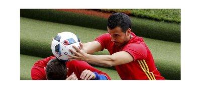 Pedro perturba la paz de la Selección Española