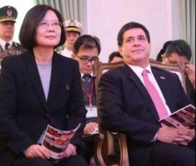 """HC a Presidenta de Taiwán: """"Las donaciones ya no se manejan de manera oscura"""""""