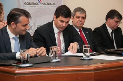 Docentes paraguayos podrán realizar maestrías en España