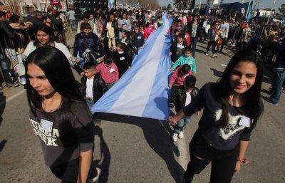 Insólita y tradicional Fiesta Nacional de Mellizos en Argentina