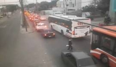 Emergencia vial en Avenida Artigas: Desvíos habilitados