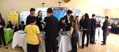 Estudiantes lucen proyectos en feria científica en Encarnación