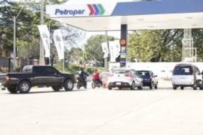 Gasolineras bajan precios ante expansión de Petropar