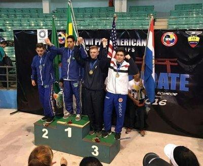 Medallas en Panamericano de de karate en Ecuador