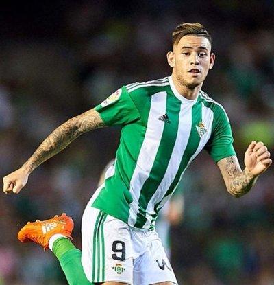 """El Betis del """"Tony"""" enfrenta al Sevilla"""