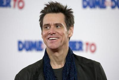 Demandan al actor Jim Carrey por la muerte de su novia