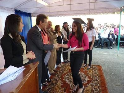 Más de 600 personas de Capiatá se formaron en oficios