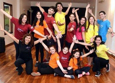 Elenco Axioma Teatro actuará en Ucrania
