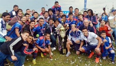 Independiente recibió la copa