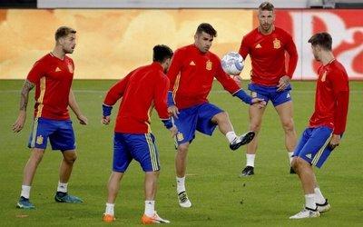 Italia-España, duelo de altura en eliminatorias