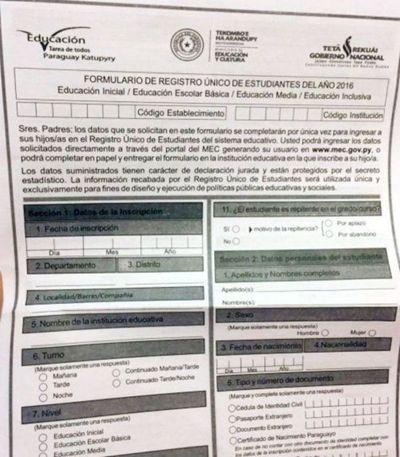 RUE: Polémicas y desconfianza acompañan a un extraño formulario del MEC