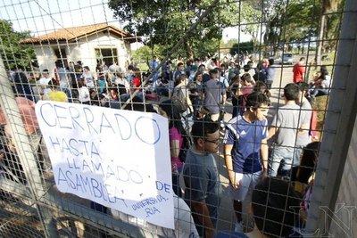 Sector de estudiantes en contrapartida a UNAnotecalles