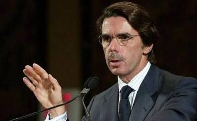 Aznar sugiere que Santos debió seguir los pasos de Cameron tras fracaso del plebiscito