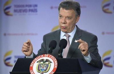 Colombia aplaza diálogo de paz con ELN hasta que guerrilla libere a rehén
