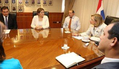Diputada Villalba y abogado de Neneco se reunieron con presidenta de la Corte