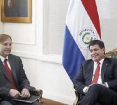 Negocio petrolero inició con Lugo