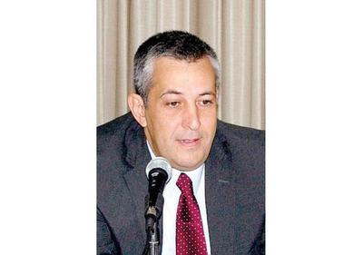 Ex viceministro de Cartes trabaja en la petrolera de López Moreira
