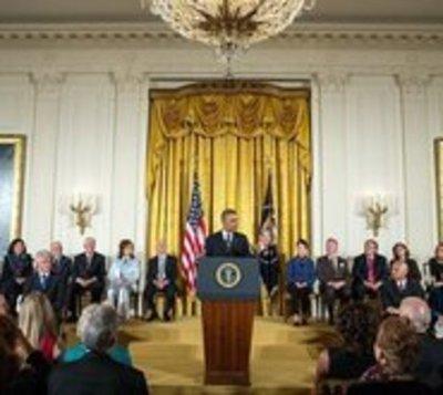 Obama dedica a Springsteen, De Niro y Jordan su último gran homenaje