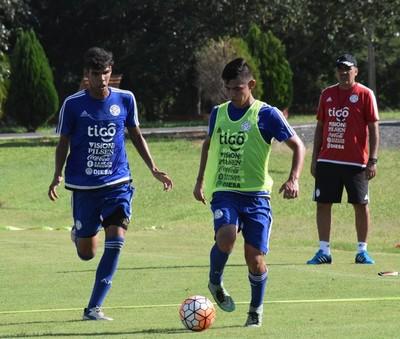 Albirroja Sub 20: Práctica a puro fútbol en Ypané