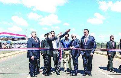 Cartes inaugura autopista Ñu Guasu, que tuvo una inversión de G. 237.654 millones