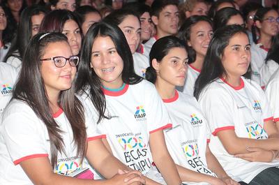 Este martes inicia periodo de presentación de documentos para las 1.000 becas de Itaipú