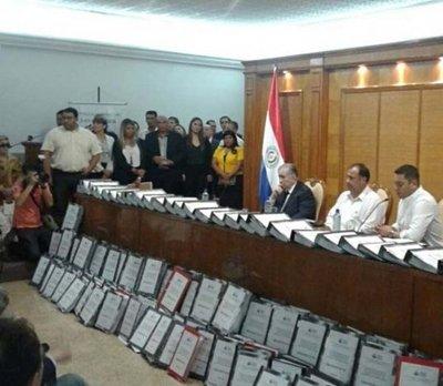 Polémicas firmas pro reelección