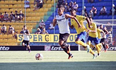 'Doblado' cae Olimpia en Capiatá