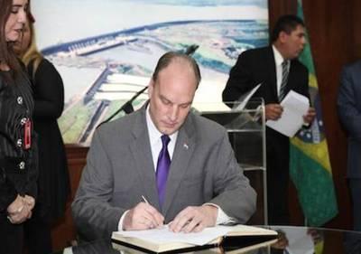 """Director de Itaipú: """"Yo firmé la planilla, será el pueblo el que elegirá"""""""