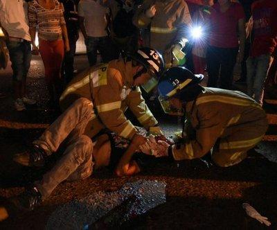 Heridos tras caer de moto