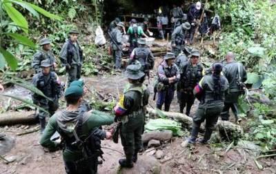 Presidente colombiano ordena ocupar territorios que dejaron las FARC