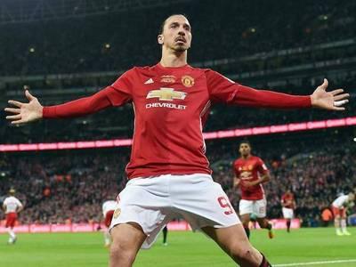 Un gigante Zlatan le da la quinta al United