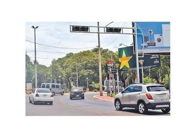 Semáforos siguen sin funcionar en nudos conflictivos de Ciudad del Este