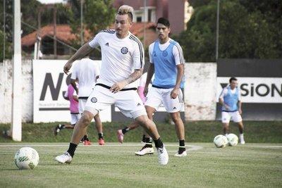 Olimpia y Nacional comandan cómodos en la División Reserva