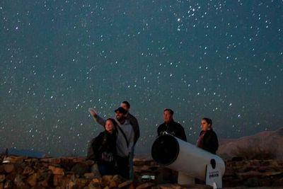Observar las estrellas, una actividad turística al alza pero amenazada