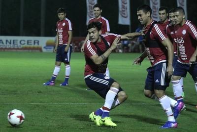 Práctica de fútbol en día 2 de preparativos vs. Ecuador