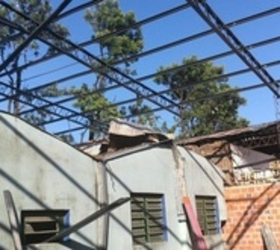 Herrero sin protección sufre descarga eléctrica en Mercado de Abasto
