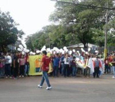 Luque: Jóvenes piden paz ante violencia tras crisis política