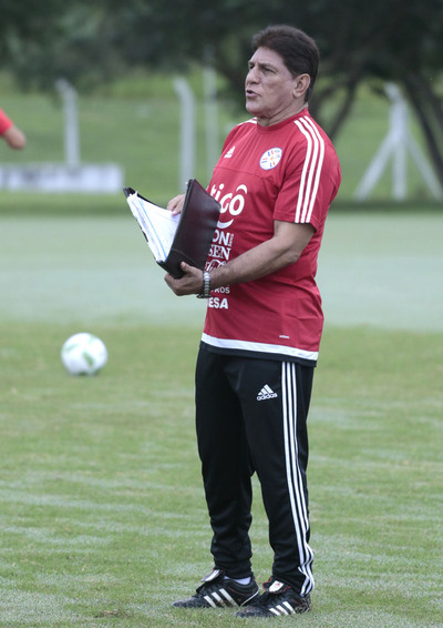 El técnico Gerardo González convocó a 27 futbolistas para las tareas en Ypané