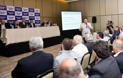 Técnicos sugieren a legisladores que rechacen el acuerdo sobre Yacyretá