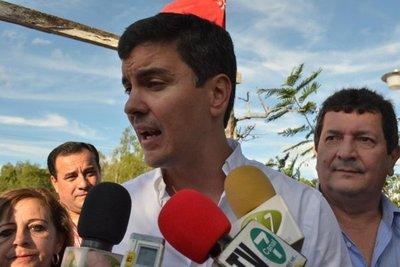 Critica a Peña en acto de ANR