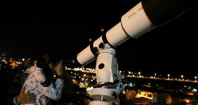 """""""Un Encuentro con el Telescopio en tu barrio"""", desde el mirador Punta Karapa"""